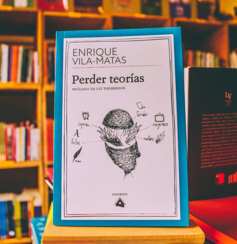 Guía Navideña de Gato Caulle: 8 recomendaciones de libros basados en la astroliteratura revolucionaria